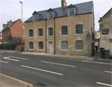 2 bed apartment Stroud