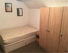 STUDIO FLAT IN CASTLE DONINGTON - 80 P/W