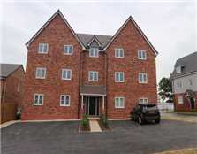 2 bedroom flat Cheswick Green