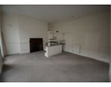 Unfurnished one bedroom first floor flat in the City of Bath