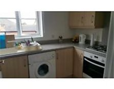 2 bedroom flat with big living room and parking space Headington
