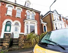 5 bedroom terraced house Rochester