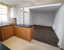 2 bedroom ground floor flat Westcliff-On-Sea