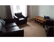Large 1 bed flat in Paisley town centre