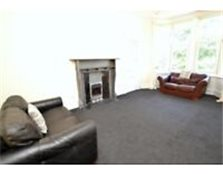 Newly decorated large 2 bedroom flat Newlands