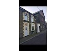 3 bedroom end terrace house, gynor place, ynyshir