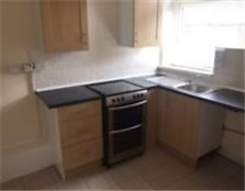 1 bed flat to rent in cross green, very close to city centre Leeds