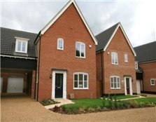 3 bedroom link detached house for sale