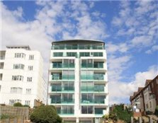 2 bedroom flat Westcliff-On-Sea