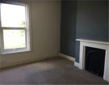 2 Bedroomed first floor Flat. £425/month £500 bond Darlington