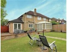 Beautiful 4 Bedroom House with Self Contained Annex Luton