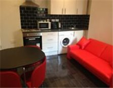 LOW INGOINGS 4 -BEDROOM STUDENT ACCOMODATION Brighton