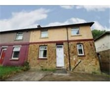 3 Bedroom Semi Detached house for Sale. Bradford