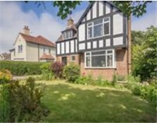 3 Bedroom Detached Tudor Style House for Sale