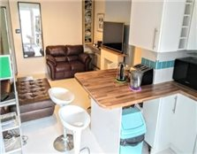2 bedroom ground floor flat Sutton