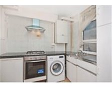 Massive 3/4 bedroom flat with 2 bathrooms in St. John's Wood minutes from Abbey Rd & Regent's Park Kilburn