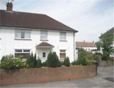 2 double bedroom maisonette for rent. Gas central heating, double glazing, front and back garden Whitchurch