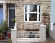 1 Bedroom Garden Flat, Central Brighton. Private Landlord. Cat-friendly.