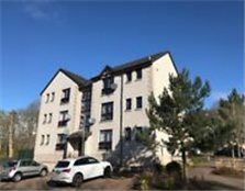 To Rent: One bed unfurnished,Top Floor flat in Dingwall.Close to all amenities and commuter routes.