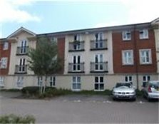 Spacious Two Bedroom Flat With Parking - Kingswood *Water Bills Included*