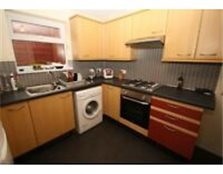 Four bedroom student house very close to University - EXCELLENT PRESENTATION Pontypridd