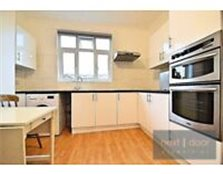 NEWLY REFURBED 4 BEDROOM FLAT TO RENT IN OVAL SW9 - SECONDS AWAY FROM OVAL TUBE STN (NORTHERN LINE) Kennington