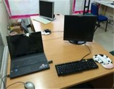 Rent Desk space at front end of Premises/ High street north, Manor Park, EASTHAM only £40 PER Week Newham