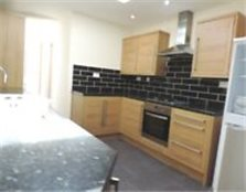 Bishops Road , Whitchurch Spacious 2 Bedroom ground floor Flat . Communal Garden