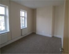 Good size 3 bedroom flat in Manor Park part dss with guarantor acceptable Newham