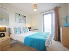 **Contemporary serviced 1 bedroom in Bracknell - incl. bills, maid service, free wifi! Book now!