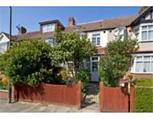 4 Bed Freehold Family Home For Sale in Raynes Park, SW20 (no onward chain)