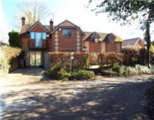 4 bed property to rent Wheatley