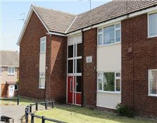 3 bed flat to rent Wolverham