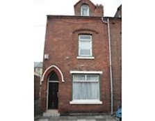 End terrace house with two room attic, in the central area in Hartlepool
