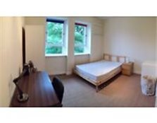 Spacious 3 double bedroom HMO student flat accommodation 2 mins walk from Uni available 1st July Aberdeen